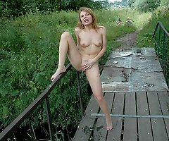 See a buck naked whore pissing off the gangway